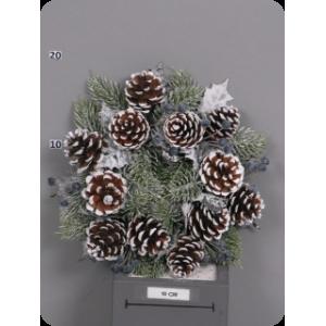 Снежный сосновый венок с шишками и черными цветами, d 25 см