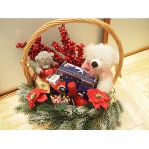 """Основа для подарка """"Новогодняя корзинка с красными ягодами"""""""