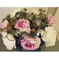 Композиция Новогодняя вариация с розами №2