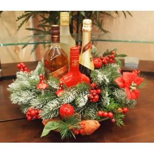 Новогодний венок для спиртного на новогодний стол в красном